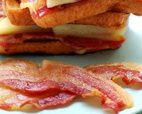 Smoked Streaky bacon-rind on 500 gram pack